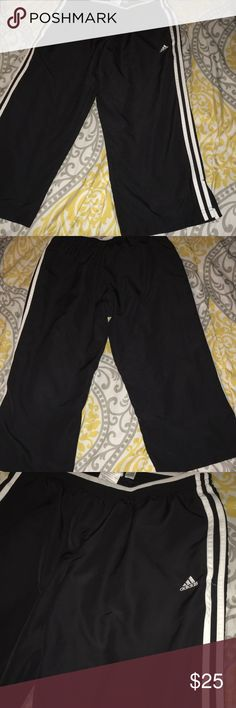 Adidas Sport Cropped joggers excellent condition Adidas Sport Cropped joggers excellent condition adidas Pants Track Pants & Joggers