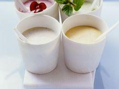 Joghurts mit Obst ist ein Rezept mit frischen Zutaten aus der Kategorie Steinobst. Probieren Sie dieses und weitere Rezepte von EAT SMARTER!