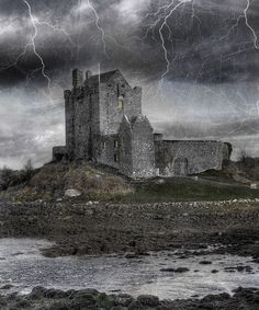 Dunguaire Castle on Galway Bay, Kinvarra, Galway, IRELAND