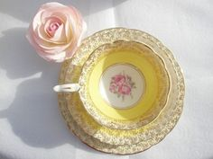 lemon tea cup with pink rose
