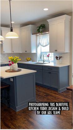 Blue Kitchen Interior, Kitchen Room Design, Kitchen Cabinet Design, Kitchen Redo, Modern Kitchen Design, Home Decor Kitchen, Home Kitchens, Refinished Kitchen Cabinets, Blue Kitchen Ideas