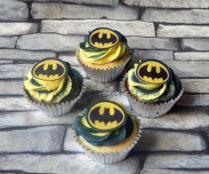 Batman 2 tone cupcakes