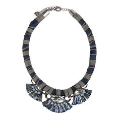 Pimp your outfit with this statement necklace from #Hallhuber