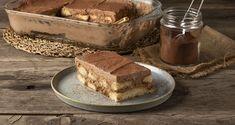 Τιραμισού σοκολάτας από τον Άκη Πετρετζίκη. Φτιάξτε το παραδοσιακό ιταλικό γλυκό με κουβερτούρα! Συνδυάστε καφέ με σοκολάτα και εντυπωσιάστε! Greek Recipes, Raw Food Recipes, Chocolate Tiramisu, Nutrition Chart, Tiramisu Recipe, Processed Sugar, Classic Desserts, Good Fats, Melting Chocolate