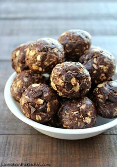 No Bake Chocolate Cookie Energy Bites. Added a little coconut oil, half the flax, used dark choc bar chopped up. Delicious