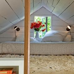 This tiny home of only 540 square feet features some fabulous design features on Sauvie Island, Oregon.