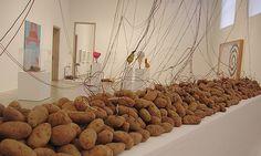 Télam - Una muestra rescata la visión utópica de Víctor Grippo sobre el arte