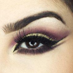 """""""Bom diaa!! Close da #makeup de ontem Glitter 3D Gold @maccosmetics Sombras (blush) @sleekmakeup Cílios @kissnybrasil Sobrancelha Duo…"""""""