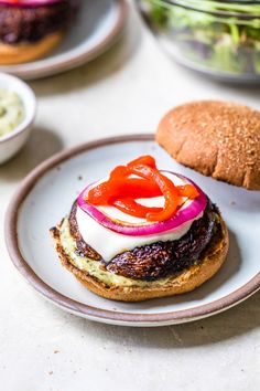 These grilled Portobello Mushroom Burgers topped with mozzarella, red peppers, and pesto mayo, are delicious and an excellent vegetarian burger option. Healthy Grilling, Grilling Recipes, Veggie Recipes, Vegetarian Recipes, Vegetarian Grilling, Barbecue Recipes, Barbecue Sauce, Veggie Food, Mushroom Recipes