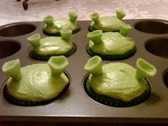 Shrek cupcakes for my friend's daughter