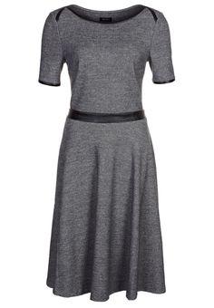 Claire Underwood Dress Worn by claire underwood