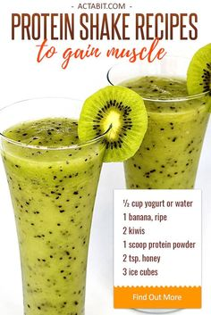This healthy homemade protein shake blends yogurt protein powder fruit honey and ice creating a delicious meal in a glass. Check easy protein shake recipes to gain muscle and lose weight. High Protein Snacks, Homemade Protein Shakes, Healthy Protein Shakes, Protein Smoothies, Protein Shake Recipes, Fruit Smoothies, Muscle Protein, Simple Smoothies, Protein Foods