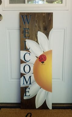 Welcome Flower Sign with Ladybug – Love Crafted Decor Porch Welcome Sign, Wooden Welcome Signs, Diy Wood Signs, Outdoor Wood Signs, Vintage Wood Signs, Welcome Boards, Pallet Painting, Pallet Art, Painting On Wood