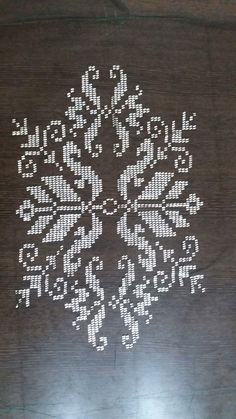 Cross Stitch Tattoo, Palestinian Embroidery, Bargello, Piercings, Pixel Art, Crochet, Diy And Crafts, Flowers, Rugs