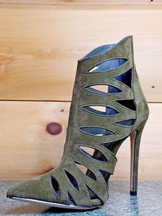 Alba Jamie Olive Army Green Cut Out Pointy Toe Ankle Boot Booties 6-11