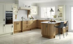 The Broadoak shaker kitchen in a natural finish from Units Online
