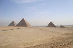 20% Rabatt als Poster: Pyramiden Sand Wüste  Download auf Webseite!  Kategorien: landschaften, pyramiden, sand, reisen, wüste