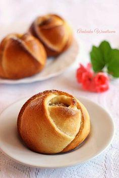 Drożdżowe róże z serem   Arabeska