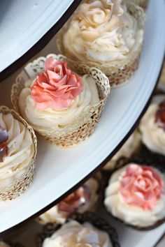 Wedding Cupcakes - Lace Cupcakes Holders