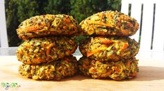 Gluten free vegan patties which are high in healthy plant protein, bind well together and stay succulent from the inside. Veg Recipes, Delicious Vegan Recipes, Vegetarian Recipes, Cooking Recipes, Vegan Patties, Patties Recipe, Plant Protein, Protein Foods, Protein Recipes
