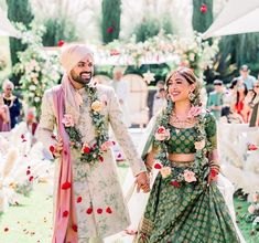 Find the best couple outfit combinations for weddings to show your twinning. Trending Bride and Groom outfit combinations must check out once. Indian Wedding Outfits, Bridal Outfits, Indian Outfits, Indian Weddings, Indian Clothes, Wedding Dresses, Wedding Attire, Indian Dresses, Wedding Hair
