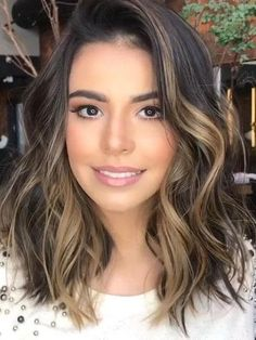 36 Light Brown Hair Colors That Are Blowing Up in 2019 - Style My Hairs Cabelo Ombre Hair, Balayage Hair, Haircolor, Balayage Brunette, Brown Blonde Hair, Light Brown Hair, Brown Ombre Hair Medium, Medium Brown Hair With Highlights, Ombre Hair Color