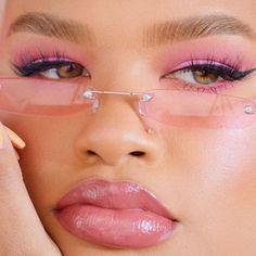 Pink eye makeup look, makeup for poc, full lips Makeup Goals, Makeup Inspo, Makeup Inspiration, Beauty Makeup, Eye Makeup, Hair Makeup, Makeup Ideas, Street Style Trends, Retro Aesthetic