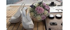 Bride's shoes and bouquet #NelloDiCesarePhotography #bouquet #rose #flowers #wedding #WeddingPlanner