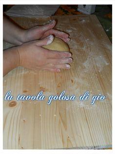 E una pasta frolla elastica che non si rompe,ottima per fare crostata, biscotti,pastiera,farete la vostra bella figura .Provatela non ve ne pentirete