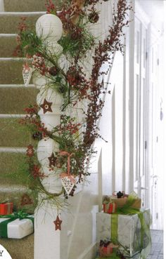 1000 images about seasonal staircases on pinterest for How to decorate a banister