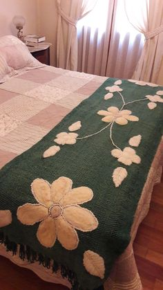 Bed Sheet Curtains, Bed Sheets, Pink Blanket, Bed Runner, Penny Rugs, Textile Fabrics, Weekend Projects, Wool Applique, Fabric Samples