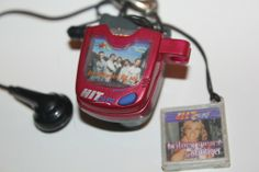 hit clips! i've been trying to remember the name of this contraption for ages! i had a million of those little song things!