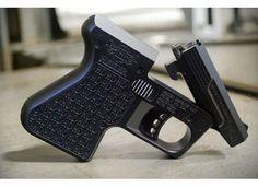 Heizer Defense: Itty Bitty Guns That Pack A Big Punch | http://guncarrier.com/heizer-defense-itty-bitty-guns-pack-big-punch/