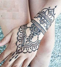 Beautiful and Easy Mehndi Designs For Girls