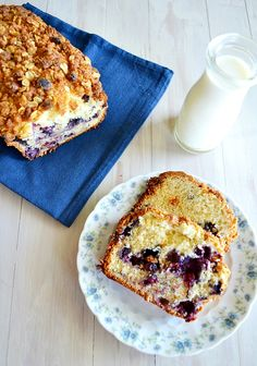 White Chocolate Blueberry Crunch Bread - Kitchen Meets Girl