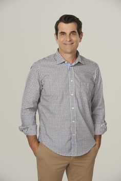 Ty Burrell as Phil Dunphy in Modern Family Serie Modern Family, Modern Family Season 6, Phil Dunphy, Hottest Male Celebrities, Celebs, Ed O Neill, Famous Comedians, Julie Bowen, Family Outfits