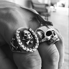 Repost from the charming @johnnyskulls of our All Silver Wreath Ring and Medium Jawless Anatomical Skull Ring and a little lizard friend #thegreatfrog #thegreatfrogla