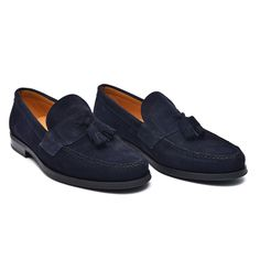 Rubber Sole Suede Tassel Loafer // Marino (Euro: Classic to a tee, this velvety-smooth and utterly supple Suede Banded Dress Shoe is a can't-miss finishing touch for any refined look in your repertoire. Mens Leather Moccasins, Leather Loafers, Suede Leather, Loafers Men, Your Shoes, Men's Shoes, Dress Shoes, Latest Sneakers, Tassel Loafers