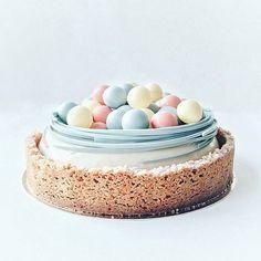 Eastereggs cake / pääsiäismuna kakku