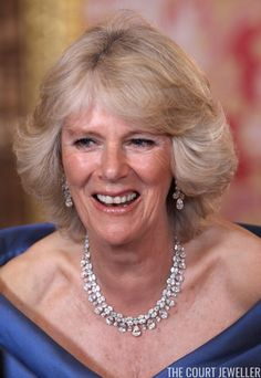 Camilla, The Duchess of Cornwell, wearing a glittering demi-parure of clustered diamonds at a gala dinner in Madrid in 2011 Prince Charles And Diana, Prince Phillip, Prince Harry And Meghan, British Royal Family Tree, Royal Family Trees, Charles X, Prinz Charles, Royal Uk, Royal Life