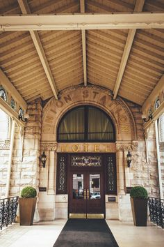 Contrary to popular belief, Nashville isn't all honky-tonk and hot chicken. It's a progressive southern city that is quickly attracting travelers Very Small Wedding, Perfect Wedding, Nashville Wedding Venues, Wedding Locations, Barista Parlor, Save The Date Photos, Honky Tonk, Black Tie Wedding, Union Station