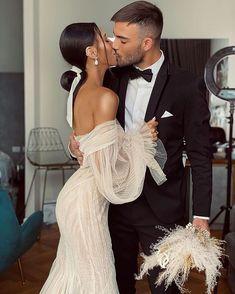 Dream Wedding Dresses, Bridal Dresses, Wedding Goals, Wedding Day, Wedding Styles, Wedding Photos, Bridal Looks, Look Fashion, Perfect Wedding