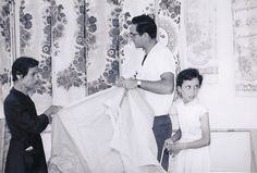 "Giuseppe Cavalli, ""Una fiera nei paesi italiani del Sud: donnette econome"" (ca. 1950) | photograph | gelatin silver print    Source: http://www.sfmoma.org/explore/collection/artwork/104407#ixzz1jCT6LZkx   San Francisco Museum of Modern Art"