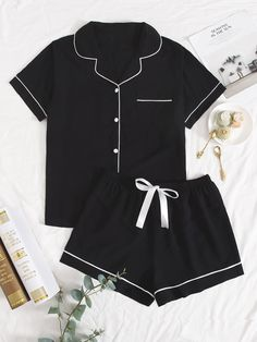 Cute Pajama Sets, Cute Pajamas, Pj Sets, Cute Lazy Outfits, Casual Outfits, Girls Fashion Clothes, Fashion Outfits, Pijamas Women, Cute Sleepwear
