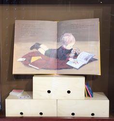 Bambini, carte colorate e samurai.  Mostra Ritratti d'infanzia alla libreria per Ragazzi Giannino Stoppani di Bologna. KiraKira blog