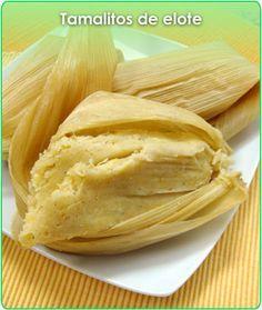 Tamalitos de elote. Corn Tamales, Mexican Tamales, Mexican Dishes, Mexican Food Recipes, Costa Rican Food, Hispanic Dishes, Tamale Recipe, Pozole, Homemade Tortillas