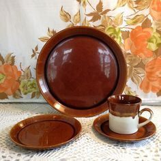 Dinner Sets, Recycling, Crown, Chocolate, Painting, Vintage, Food, Corona, Painting Art