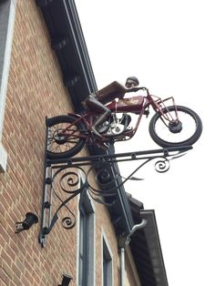 Uithangbord in Valkenburg, Limburg Motorcycle Workshop, Motorcycle Shop, Motorcycle Garage, Cafe Design, Diy Design, Hot Wheels Storage, Car Furniture, Goth Home Decor, Bike Shed