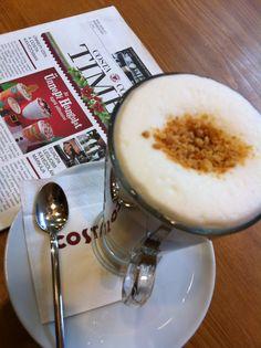 Macaron Latte Coffee Culture, Budapest, Macarons, Latte, Houses, Tableware, Homes, Dinnerware, Tablewares
