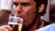 Waspada, 8 Tanda Ini Tunjukkan Kamu Seorang Pecandu Alkohol - http://wp.me/p70qx9-5oW